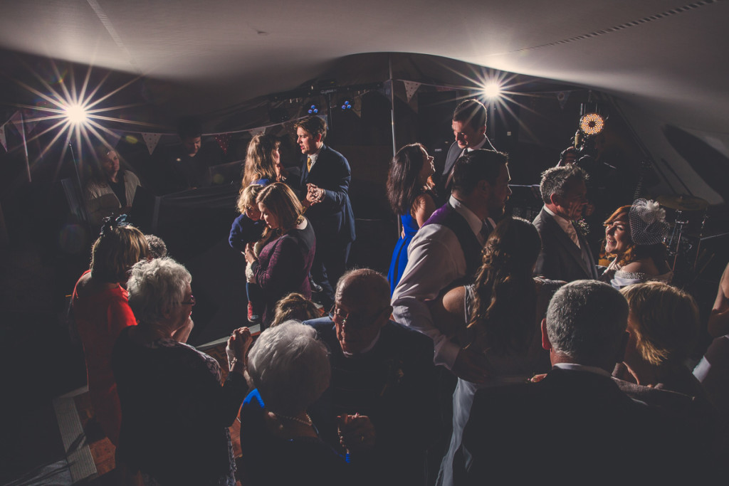 Dance the night away in stech tent wedding
